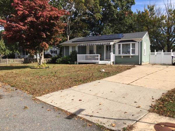 6 Greenbrier Dr, New Bedford, MA 02745 (MLS #72583184) :: Maloney Properties Real Estate Brokerage