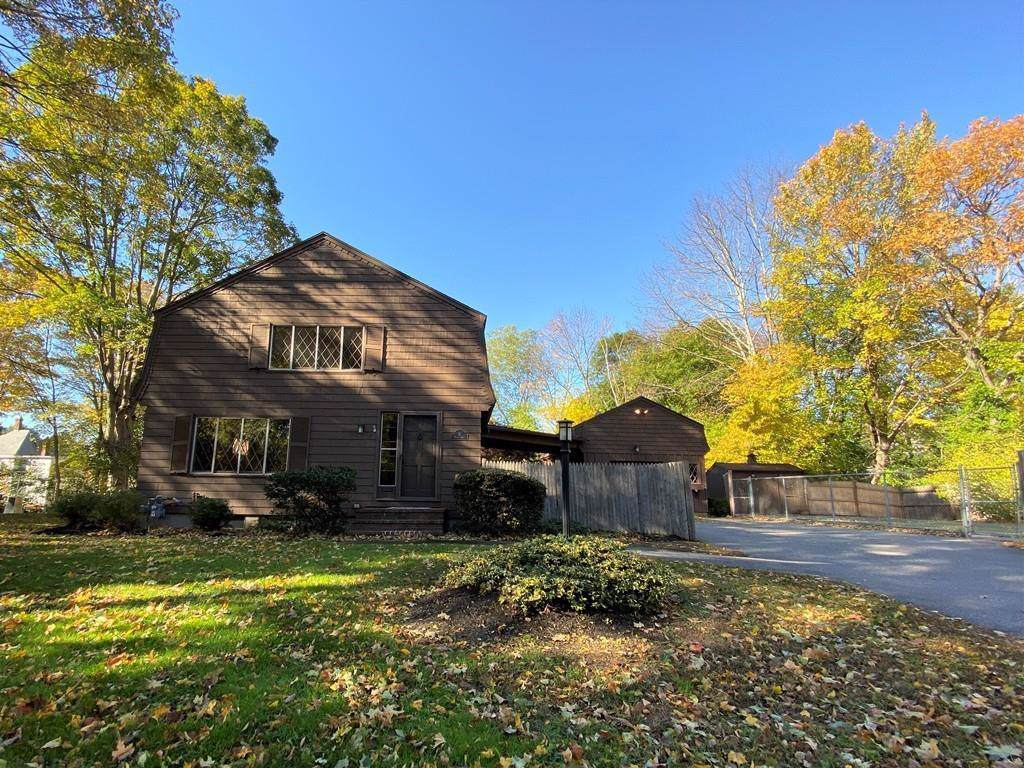 8 Howell Dr - Photo 1
