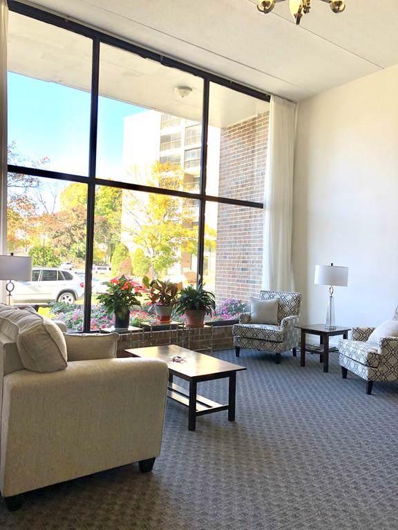 49 Melrose St. 4F, Melrose, MA 02176 (MLS #72587094) :: Kinlin Grover Real Estate