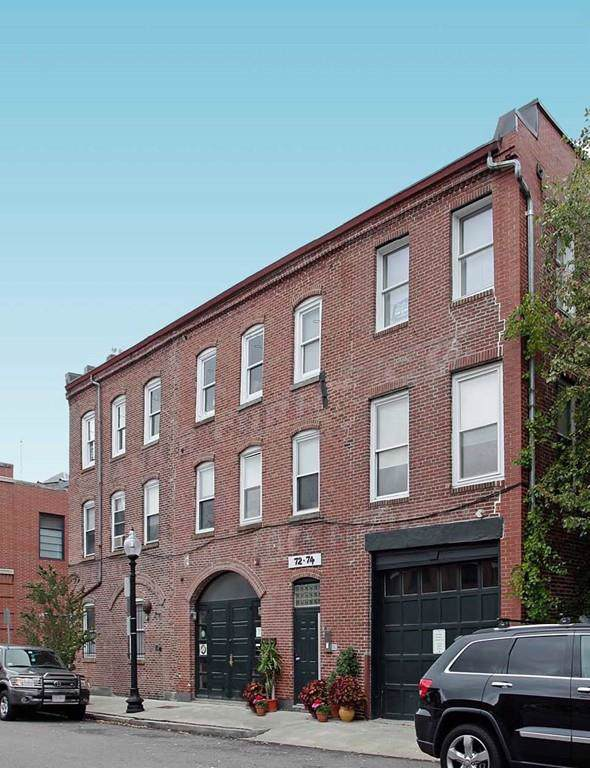 72-74 E Dedham St #1, Boston, MA 02118 (MLS #72587374) :: The Gillach Group