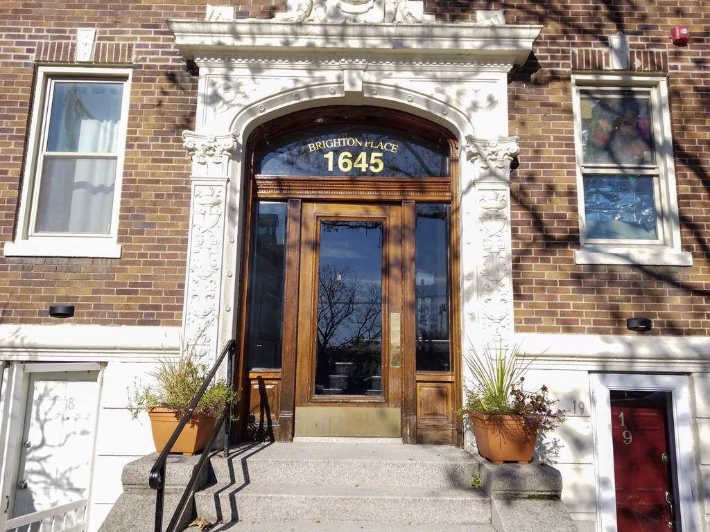 1645 Commonwealth Ave - Photo 1
