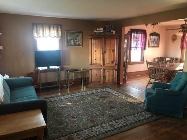 551 Quaker Hwy, Uxbridge, MA 01569 (MLS #72593790) :: Berkshire Hathaway HomeServices Warren Residential