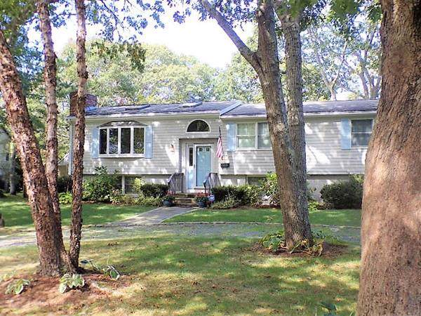 8 Crescent Ct, Yarmouth, MA 02664 (MLS #72593881) :: Charlesgate Realty Group