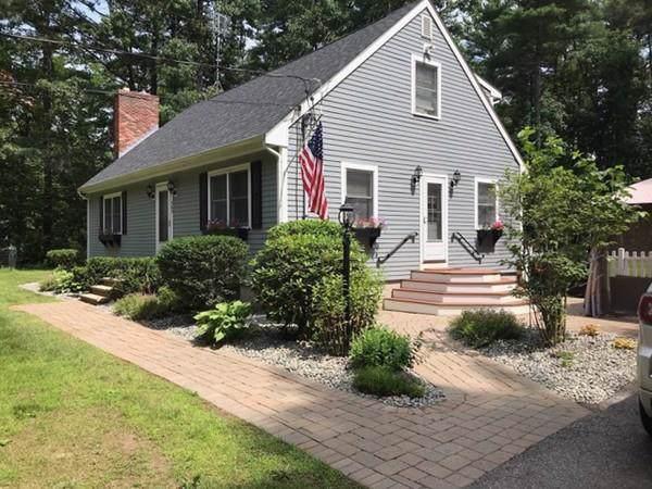 563 Boston Road, Groton, MA 01450 (MLS #72598289) :: Kinlin Grover Real Estate