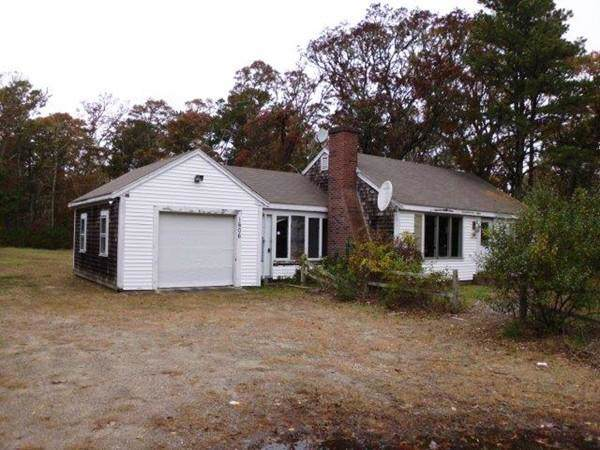 1606 Orleans Road, Harwich, MA 02645 (MLS #72600454) :: Spectrum Real Estate Consultants