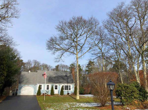 34 Commodore Lane, Barnstable, MA 02648 (MLS #72600699) :: Driggin Realty Group