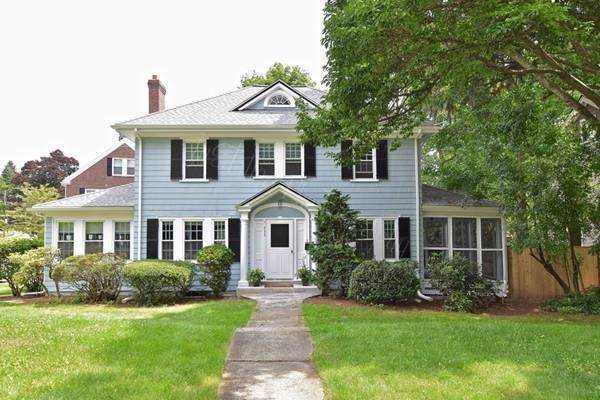 859 Fellsway W, Medford, MA 02155 (MLS #72605475) :: Kinlin Grover Real Estate