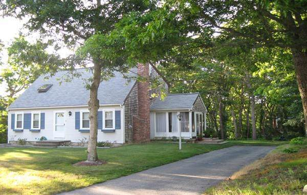 31 Howard Ave, Bourne, MA 02532 (MLS #72609092) :: EXIT Cape Realty