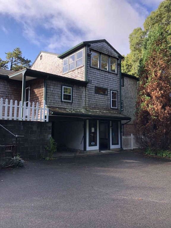 393 Lincoln Road Ext, Barnstable, MA 02601 (MLS #72609094) :: The Duffy Home Selling Team