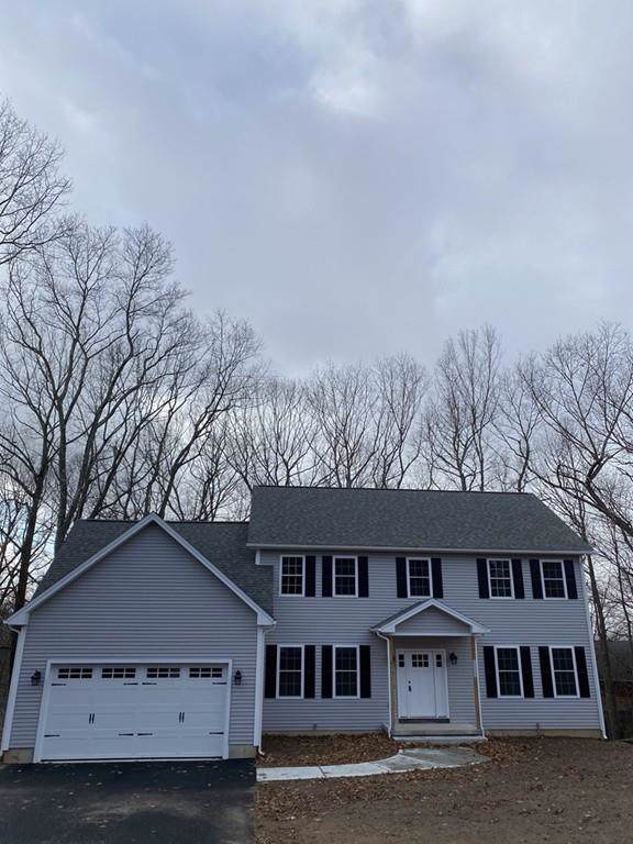 107 Cross Rd #107, Holyoke, MA 01040 (MLS #72609177) :: NRG Real Estate Services, Inc.
