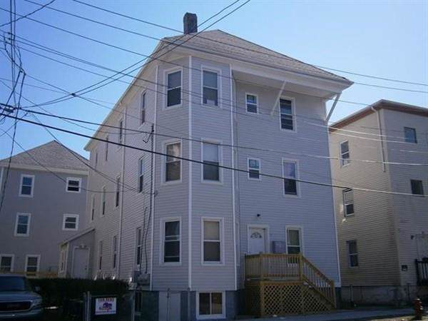 20 Holly St, New Bedford, MA 02746 (MLS #72609441) :: RE/MAX Vantage