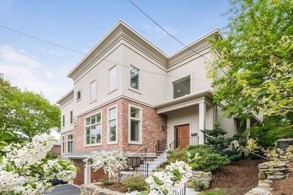143 Florence St #143, Newton, MA 02467 (MLS #72610184) :: Conway Cityside