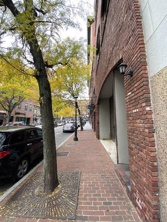 40 Central St, Lowell, MA 01852 (MLS #72610316) :: revolv