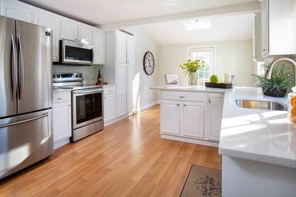 147 Grove St, Melrose, MA 02176 (MLS #72610547) :: Berkshire Hathaway HomeServices Warren Residential