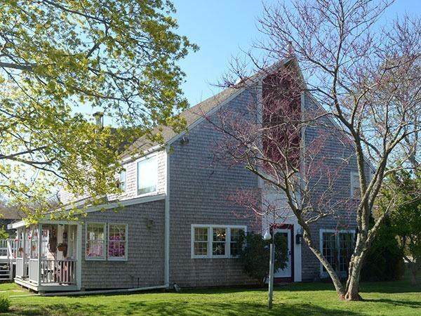 660 Main, Barnstable, MA 02668 (MLS #72610872) :: The Muncey Group