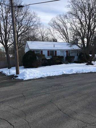 45 W Lake Dr, Weymouth, MA 02188 (MLS #72611578) :: The Gillach Group