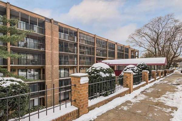 190 High St #201, Medford, MA 02155 (MLS #72611966) :: Berkshire Hathaway HomeServices Warren Residential