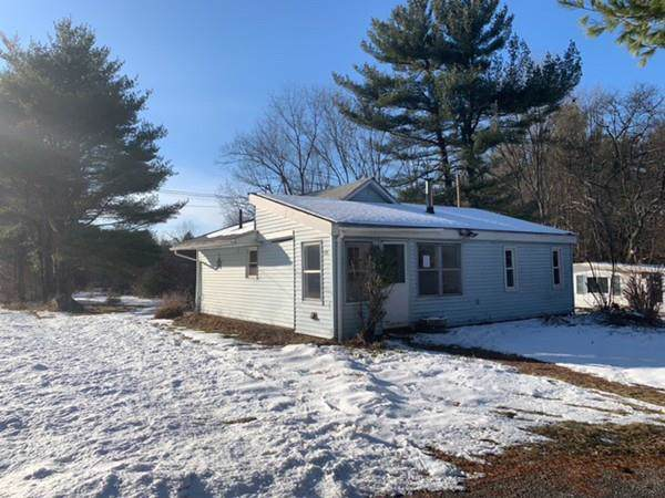 403 Batchelor St, Granby, MA 01033 (MLS #72611971) :: The Muncey Group