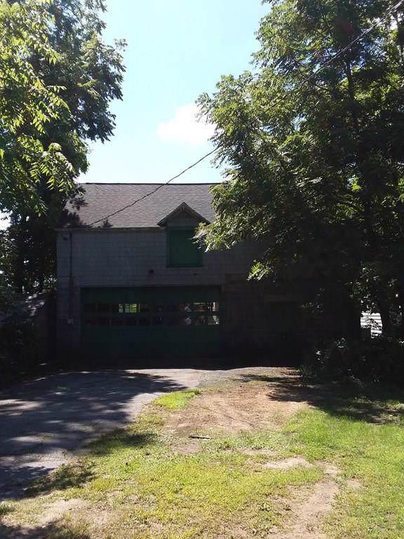 22-24 High Street, Ware, MA 01082 (MLS #72612082) :: The Muncey Group
