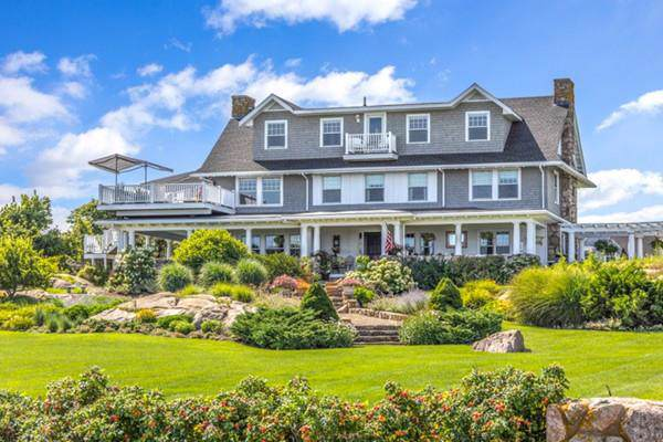 70 Grapevine Road B, Gloucester, MA 01930 (MLS #72614361) :: The Gillach Group