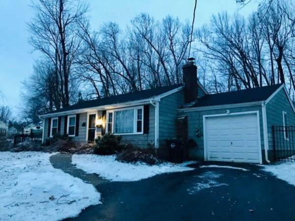 4 Clark St, Holden, MA 01520 (MLS #72617510) :: The Duffy Home Selling Team