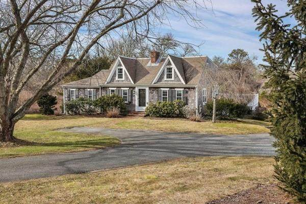 80 Sisson Rd, Harwich, MA 02646 (MLS #72620826) :: Welchman Real Estate Group
