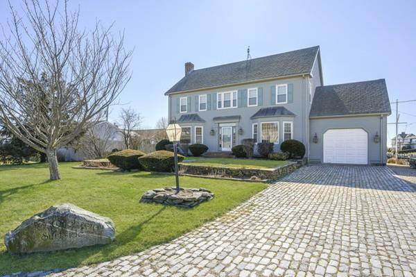 1 Surfside Rd, Dennis, MA 02670 (MLS #72620959) :: The Gillach Group