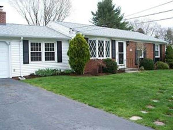 99 Sleepy Hollow Drive, Cumberland, RI 02864 (MLS #72622085) :: Bolano Home
