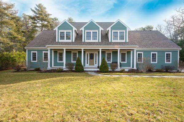 527 County Rd, Bourne, MA 02559 (MLS #72622660) :: The Duffy Home Selling Team