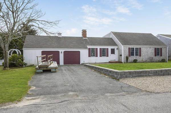 3 Cape Isle Dr, Yarmouth, MA 02664 (MLS #72623732) :: The Gillach Group