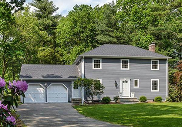 22 Rocky Brook Road, Dover, MA 02030 (MLS #72628134) :: Spectrum Real Estate Consultants