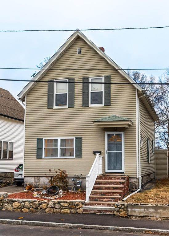 37 C St, Lowell, MA 01851 (MLS #72628327) :: The Gillach Group
