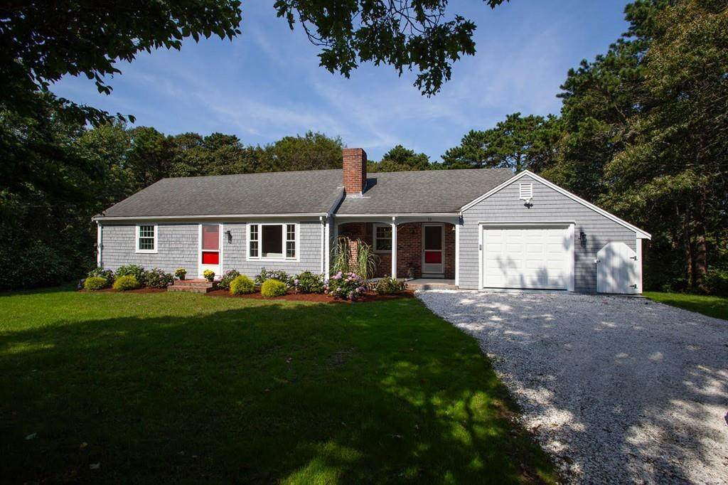33 Old Comers Rd - Photo 1