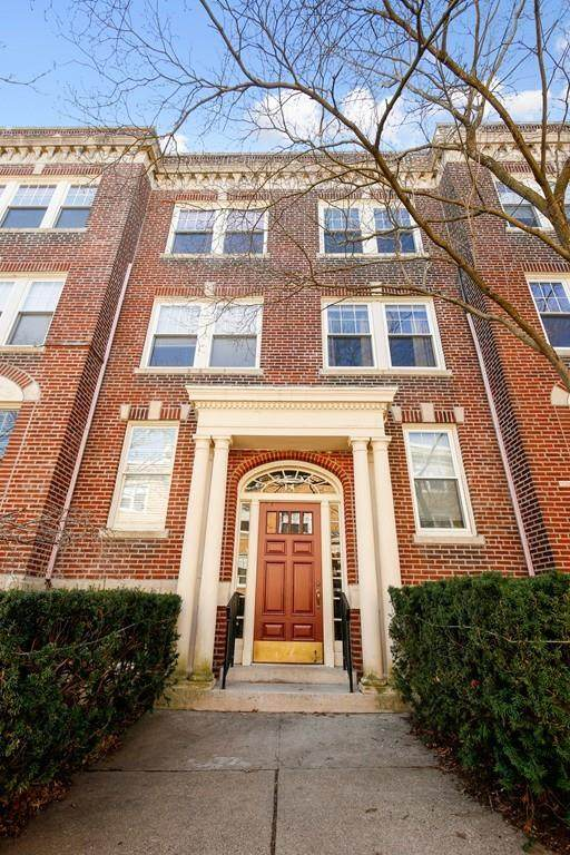 14 Egmont St A2-2, Brookline, MA 02446 (MLS #72635063) :: The Duffy Home Selling Team