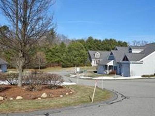 3 Autumn Drive E, Hudson, MA 01749 (MLS #72639482) :: The Duffy Home Selling Team