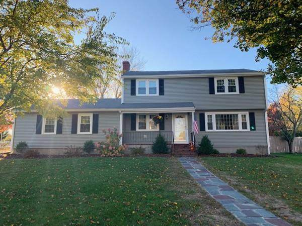 15 Hampden Drive, Norwood, MA 02062 (MLS #72639518) :: Trust Realty One
