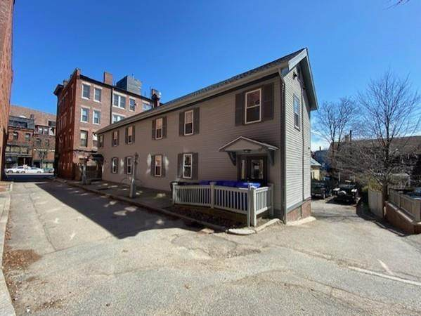 4-10 Davis Ct, Brookline, MA 02445 (MLS #72640064) :: Conway Cityside