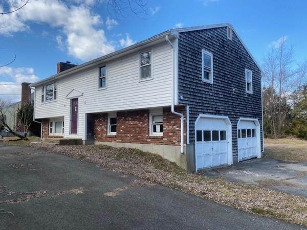 735 Wood St, Swansea, MA 02777 (MLS #72640116) :: The Gillach Group