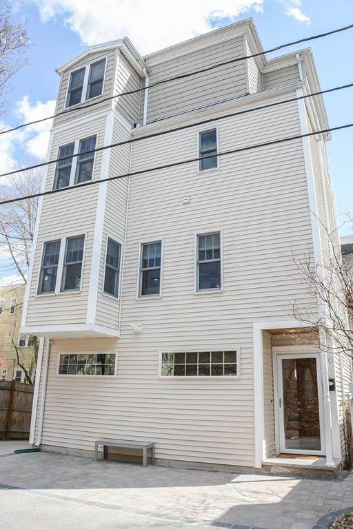 10 Murdock St, Cambridge, MA 02139 (MLS #72642434) :: Charlesgate Realty Group