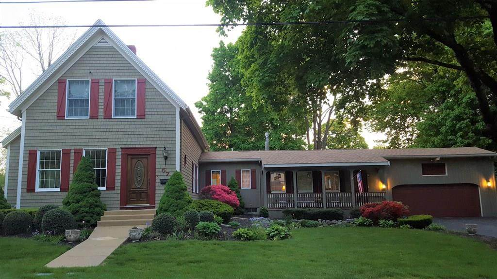 57 Reed Ave - Photo 1
