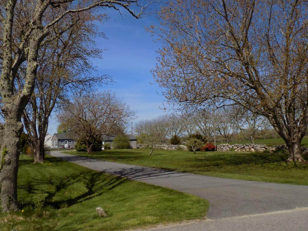 17 Old Horseneck Road - Photo 1