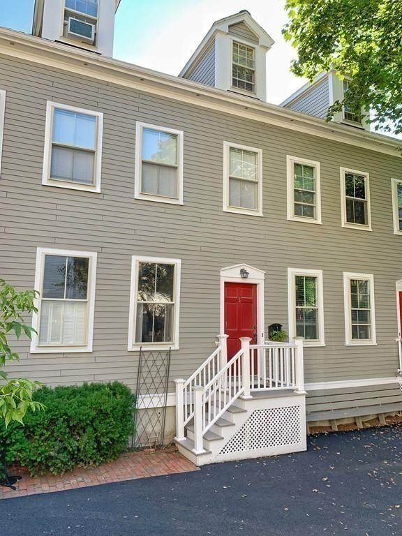 26 White Place #3, Brookline, MA 02445 (MLS #72661632) :: Conway Cityside