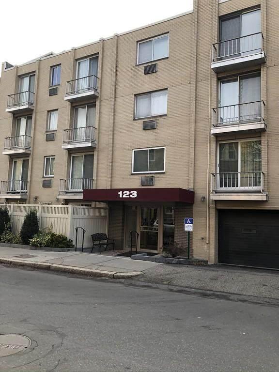 123 Sewall Avenue 3J, Brookline, MA 02446 (MLS #72662137) :: DNA Realty Group