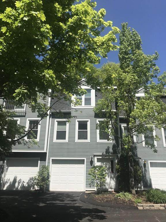 99 Anderer #4, Boston, MA 02132 (MLS #72662945) :: Westcott Properties