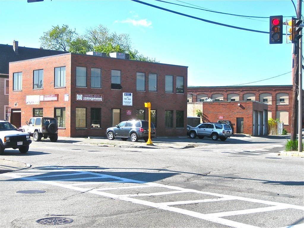 248 Everett Ave - Photo 1