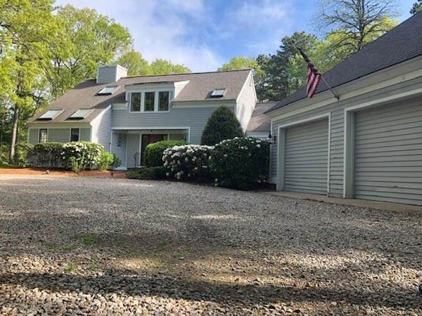49 Hook Drive, Mashpee, MA 02649 (MLS #72666146) :: EXIT Cape Realty