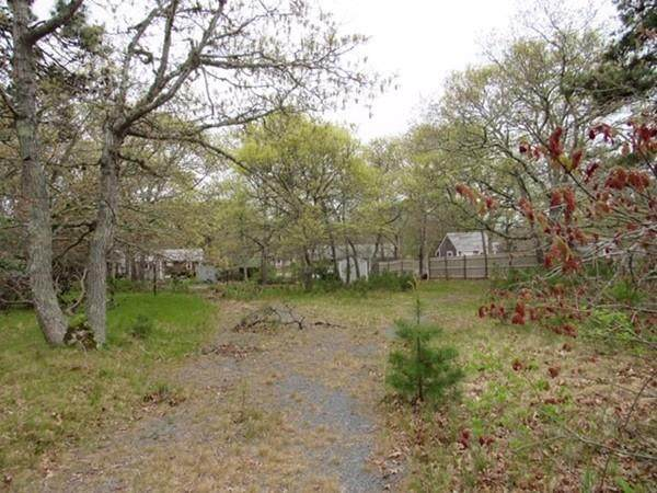 128 Trotting Park Rd, Dennis, MA 02670 (MLS #72667975) :: EXIT Cape Realty