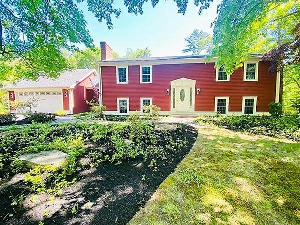 7 Forest Park Dr, Lakeville, MA 02347 (MLS #72668885) :: Westcott Properties