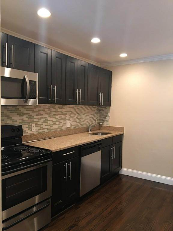 71 Oxford Ave - Photo 1