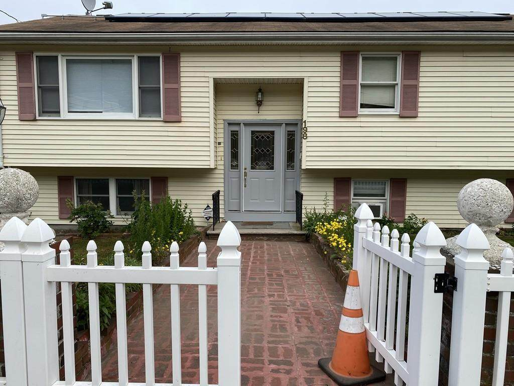 198 Lincoln Ave - Photo 1